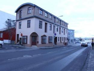/lt-lt/three-sisters-studio-apartments/hotel/reykjavik-is.html?asq=jGXBHFvRg5Z51Emf%2fbXG4w%3d%3d