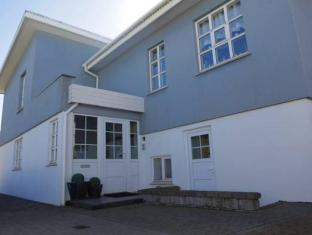 /ca-es/a-bernhard-bed-and-breakfast/hotel/keflavik-is.html?asq=jGXBHFvRg5Z51Emf%2fbXG4w%3d%3d
