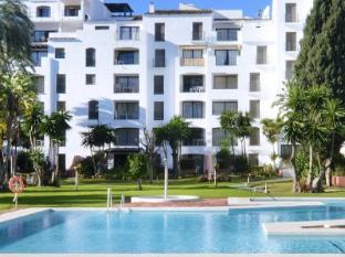 /es-es/club-jardines-del-puerto/hotel/marbella-es.html?asq=jGXBHFvRg5Z51Emf%2fbXG4w%3d%3d