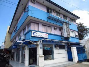 /ar-ae/blue-roof-inn-pension-house/hotel/bacolod-negros-occidental-ph.html?asq=jGXBHFvRg5Z51Emf%2fbXG4w%3d%3d