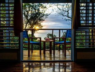 Nanuya Island Resort