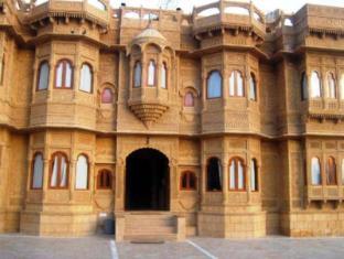 /cs-cz/hotel-lalgarh-fort-palace/hotel/jaisalmer-in.html?asq=jGXBHFvRg5Z51Emf%2fbXG4w%3d%3d