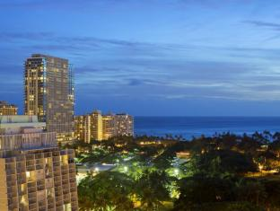 /lt-lt/ambassador-hotel-waikiki/hotel/oahu-hawaii-us.html?asq=jGXBHFvRg5Z51Emf%2fbXG4w%3d%3d