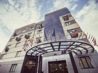 /hi-in/ambassador-plaza-hotel/hotel/kiev-ua.html?asq=jGXBHFvRg5Z51Emf%2fbXG4w%3d%3d