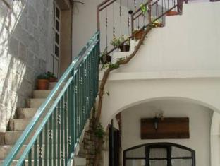 /en-sg/elena-rooms/hotel/split-hr.html?asq=jGXBHFvRg5Z51Emf%2fbXG4w%3d%3d
