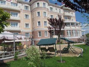 /hi-in/sofievsky-posad-hotel/hotel/kiev-ua.html?asq=jGXBHFvRg5Z51Emf%2fbXG4w%3d%3d