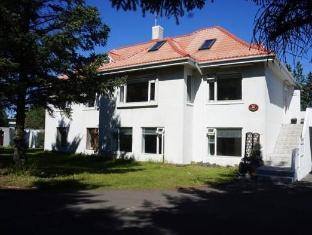 /et-ee/laugabjarg-guesthouse/hotel/reykjavik-is.html?asq=jGXBHFvRg5Z51Emf%2fbXG4w%3d%3d