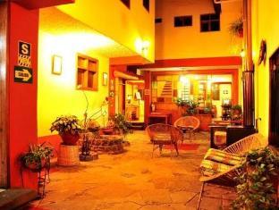 /ar-ae/los-aticos-b-b/hotel/cusco-pe.html?asq=jGXBHFvRg5Z51Emf%2fbXG4w%3d%3d