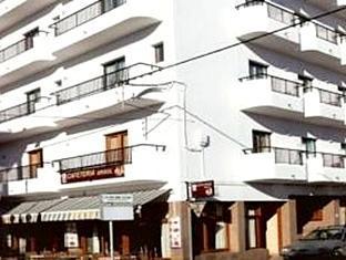 /cs-cz/hostal-santa-eulalia/hotel/ibiza-es.html?asq=jGXBHFvRg5Z51Emf%2fbXG4w%3d%3d