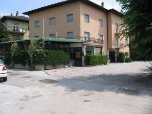 /el-gr/hotel-oasi/hotel/trento-it.html?asq=jGXBHFvRg5Z51Emf%2fbXG4w%3d%3d