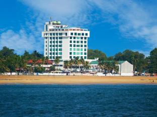 /ca-es/the-quilon-beach-hotel-convention-center/hotel/kollam-in.html?asq=jGXBHFvRg5Z51Emf%2fbXG4w%3d%3d