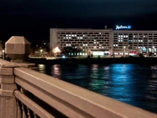 /es-es/radisson-blu-daugava-hotel-riga/hotel/riga-lv.html?asq=jGXBHFvRg5Z51Emf%2fbXG4w%3d%3d