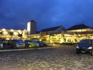 /da-dk/green-valley-resort/hotel/purwokerto-id.html?asq=jGXBHFvRg5Z51Emf%2fbXG4w%3d%3d