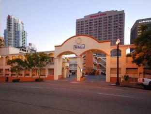 /ca-es/red-roof-inn-san-diego-downtown/hotel/san-diego-ca-us.html?asq=jGXBHFvRg5Z51Emf%2fbXG4w%3d%3d