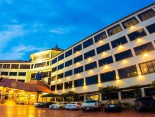 /de-de/golden-dragon-resort/hotel/sing-buri-th.html?asq=jGXBHFvRg5Z51Emf%2fbXG4w%3d%3d