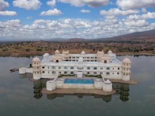 /bg-bg/lake-nahargarh-palace-a-justa-resort/hotel/chittorgarh-in.html?asq=jGXBHFvRg5Z51Emf%2fbXG4w%3d%3d