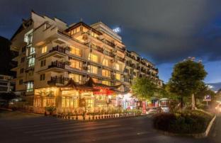 /ar-ae/michael-s-inn-suites-yangshuo/hotel/yangshuo-cn.html?asq=jGXBHFvRg5Z51Emf%2fbXG4w%3d%3d