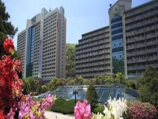 /da-dk/daemyung-resort-vivaldi-park/hotel/hongcheon-gun-kr.html?asq=jGXBHFvRg5Z51Emf%2fbXG4w%3d%3d