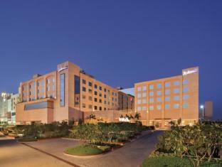 /ca-es/radisson-blu-hotel-haridwar/hotel/haridwar-in.html?asq=jGXBHFvRg5Z51Emf%2fbXG4w%3d%3d