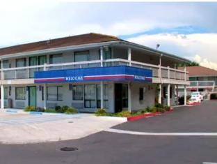 /cs-cz/motel-6-medford-north/hotel/medford-or-us.html?asq=jGXBHFvRg5Z51Emf%2fbXG4w%3d%3d