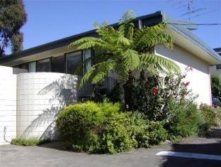 /ca-es/penguin-mews-holiday-apartments/hotel/merimbula-au.html?asq=jGXBHFvRg5Z51Emf%2fbXG4w%3d%3d