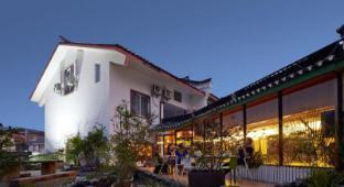 /ar-ae/yangshuo-travelling-with-hostel/hotel/yangshuo-cn.html?asq=jGXBHFvRg5Z51Emf%2fbXG4w%3d%3d