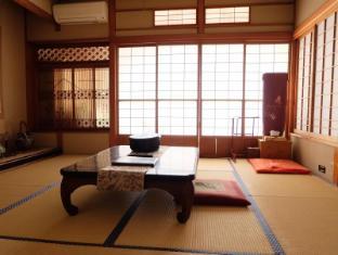 /ar-ae/izukogen-hinodeya-ryokan/hotel/shizuoka-jp.html?asq=jGXBHFvRg5Z51Emf%2fbXG4w%3d%3d