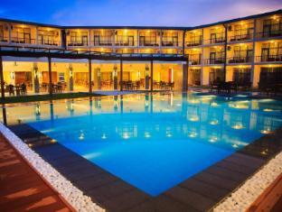/et-ee/camelot-beach-hotel/hotel/negombo-lk.html?asq=jGXBHFvRg5Z51Emf%2fbXG4w%3d%3d