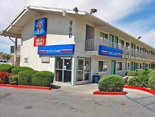 /bg-bg/motel-6-tucson-congress-street/hotel/tucson-az-us.html?asq=jGXBHFvRg5Z51Emf%2fbXG4w%3d%3d