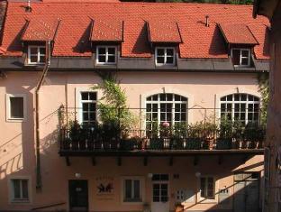 /it-it/b-b-petra-varl-accommodation/hotel/ljubljana-si.html?asq=jGXBHFvRg5Z51Emf%2fbXG4w%3d%3d
