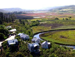 /da-dk/emily-moon-river-lodge/hotel/plettenberg-bay-za.html?asq=jGXBHFvRg5Z51Emf%2fbXG4w%3d%3d