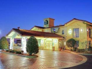 /ar-ae/motel-6-little-rock-mccain/hotel/north-little-rock-ar-us.html?asq=jGXBHFvRg5Z51Emf%2fbXG4w%3d%3d