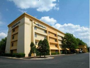 /ar-ae/la-quinta-inn-suites-st-louis-hazelwood-airport-north/hotel/st-louis-hazelwood-mo-us.html?asq=jGXBHFvRg5Z51Emf%2fbXG4w%3d%3d