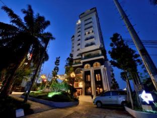 Amaroossa Royal Hotel