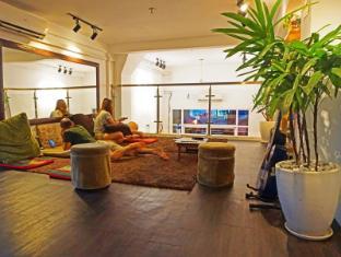 /sv-se/one-stop-hostel-phnom-penh/hotel/phnom-penh-kh.html?asq=jGXBHFvRg5Z51Emf%2fbXG4w%3d%3d
