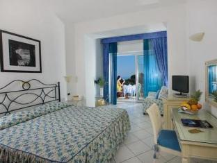 /ms-my/hotel-la-floridiana/hotel/capri-it.html?asq=jGXBHFvRg5Z51Emf%2fbXG4w%3d%3d