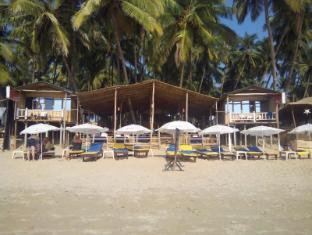 Cafe Del Sol Beach Bungalows