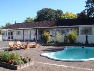 Acorn Estate Motel