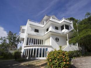 Celebrity Ocean View Mansion