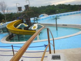 D Leonor Inland Resort and Adventure Park