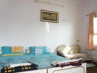 Kesher Paying Guest House