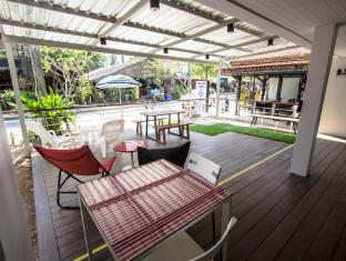 Nautical Home Khaolak Bed and Breakfast