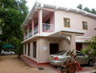 /da-dk/luxman-guest-house/hotel/polonnaruwa-lk.html?asq=jGXBHFvRg5Z51Emf%2fbXG4w%3d%3d