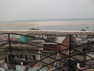 /bg-bg/hotel-shanti-palace/hotel/varanasi-in.html?asq=jGXBHFvRg5Z51Emf%2fbXG4w%3d%3d
