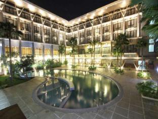 /cs-cz/ratu-hotel-serang/hotel/banten-id.html?asq=jGXBHFvRg5Z51Emf%2fbXG4w%3d%3d