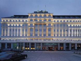 /lt-lt/radisson-blu-carlton-hotel-bratislava/hotel/bratislava-sk.html?asq=jGXBHFvRg5Z51Emf%2fbXG4w%3d%3d