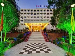 /de-de/hotel-the-grand-pritam/hotel/gandhinagar-in.html?asq=jGXBHFvRg5Z51Emf%2fbXG4w%3d%3d