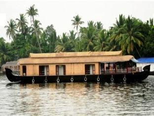/ca-es/vaishnav-houseboat/hotel/alleppey-in.html?asq=jGXBHFvRg5Z51Emf%2fbXG4w%3d%3d