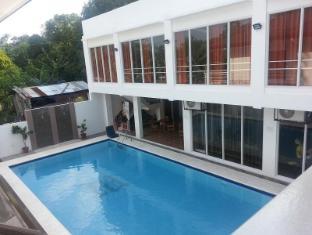Modern Peak Suites and Private Resort