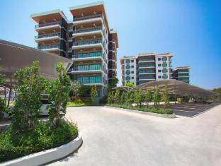 Chalong Miracle Lakeview Condo by Tropic Look